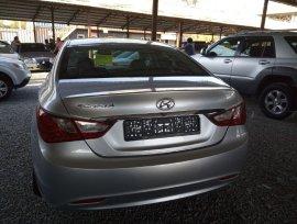 Продаю Hyundai Sonata 2011 2.0 газ