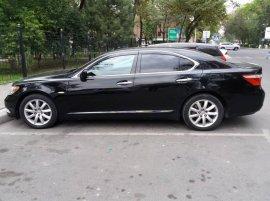 Продаю срочно Lexus LS460 2008 года